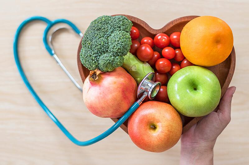 zu sehen ist Obst und Gemüse